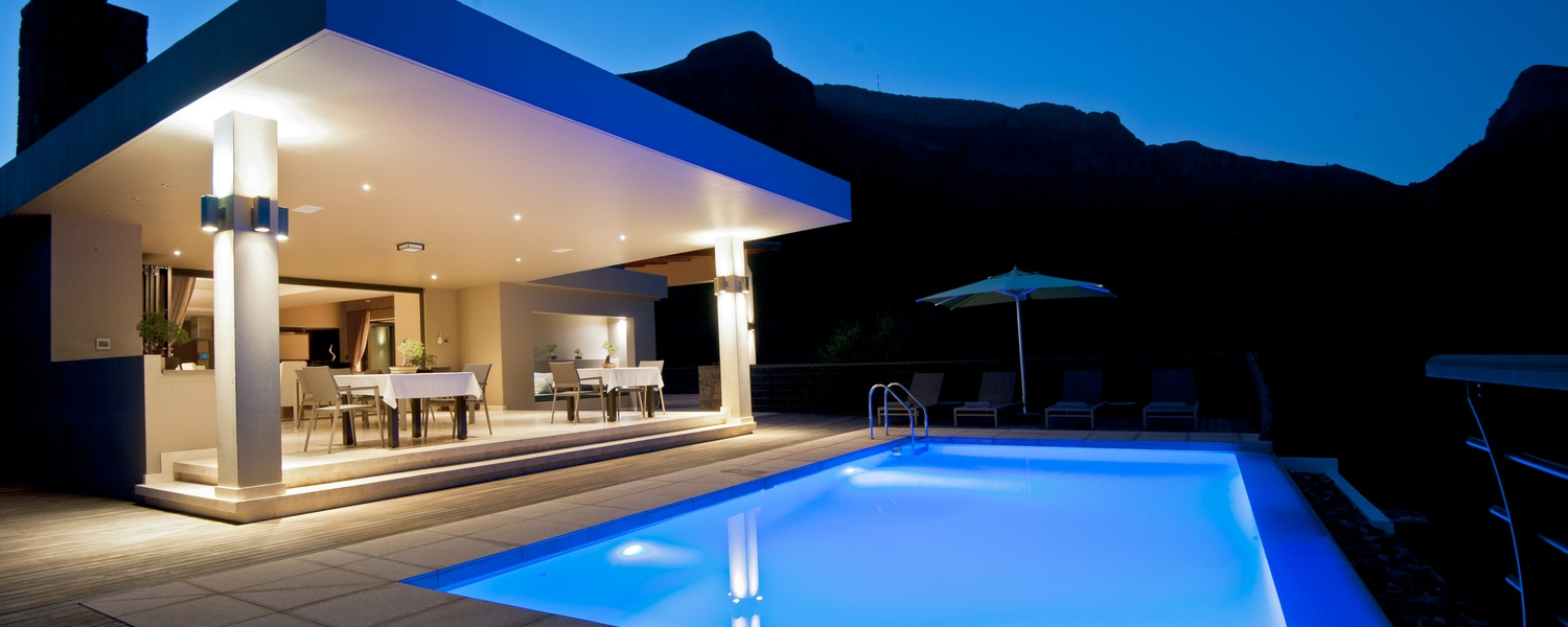 Sunrise Pool & Mountain View